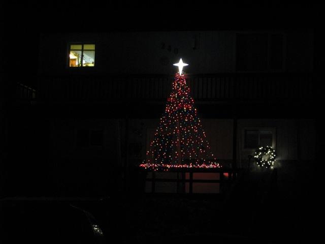 0_121224_ChristmasLightingConstest-DCrawford_IMG_0389