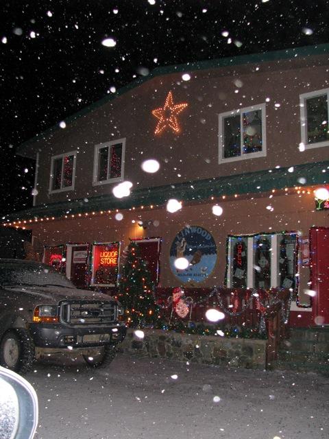 3_121224_ChristmasLightingConstest-DCrawford_IMG_0395