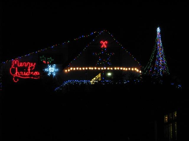 7_121224_ChristmasLightingConstest-DCrawford_IMG_0407