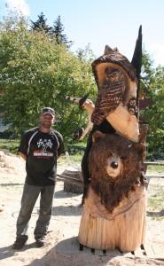 Jeff Samudosky with his Alaskan Wildlife masterpiece - photo by Chris Crosta